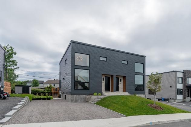 Façade de Maison à étages à vendre à La Haute-Saint-Charles (Québec)